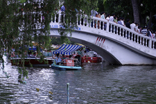 Dam Sen Park Bridge