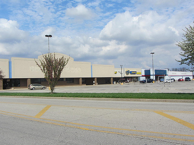 Dead Shopping Center Watseka