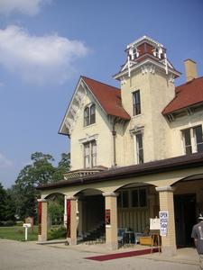 Dole Mansion