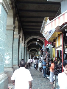 DN Road - Pavement Stalls - Mumbai