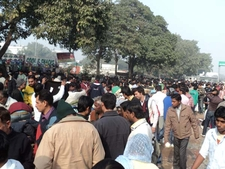 Central Park Crowds At Connaught Place