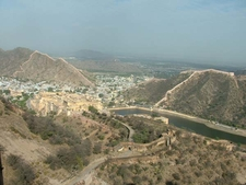 Entrance & Road Climb To Jaigarh Fort