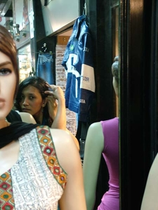 Visitors & Mannequins - Colaba Causeway Shops - Mumbai