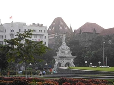 Flora Fountain - With HSBC Bank & High Court In Background