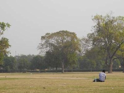 India Gate Lawns - Enjoying The Quiet