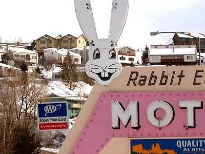 D S C N 7 4 3 3 Rabbitearsmotel E  6 0 0