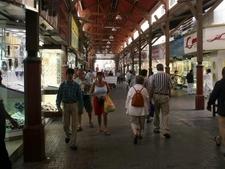 Dubai Gold Souk Has Narrow Lanes