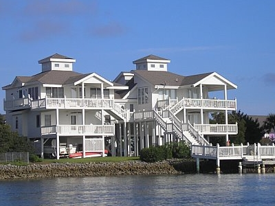 Emerald  Isle Homes