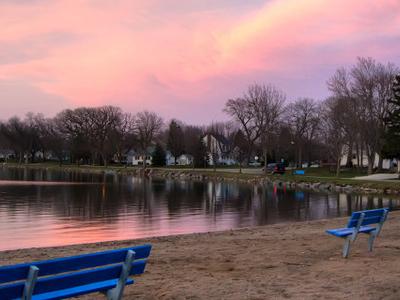 Emmetsburg  2 C  Iowa     Five  Island  Lake At Sunset
