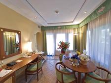 Executive Suite Dinning Area