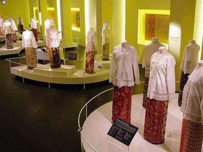 Exihibits At Peranakan Museum Singapore