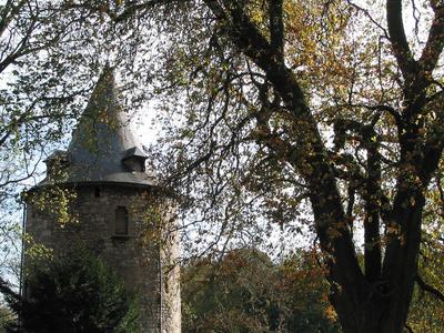 Fontaine L Eveque Castle