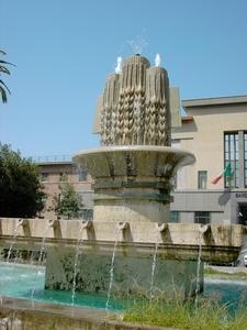 Fontana In Piazza Prefettura