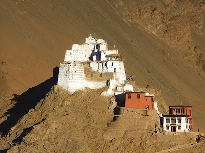 Fort & Namgyal - Red Gompa