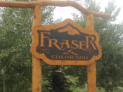 Fraser  2 C  C O  2 C Welcome Sign  I M G  5 4 0 7