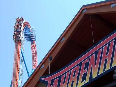 Fahrenheits Logo And Lift Hill