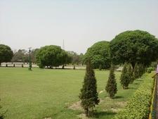 Garden Enclosing Victoria Memorial