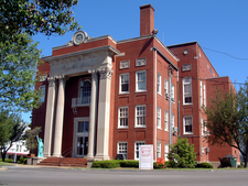 Grayson County Courthouse In Leitchfield