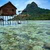 Gypsy Village House - Celebes Sea - Mabul Island