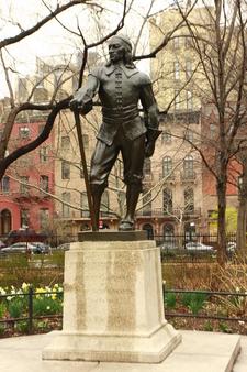 Gertrude Vanderbilt Whitney's Statue