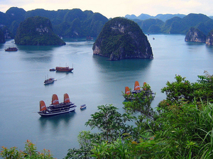 Halong Bay Tour on Valentine Cruise 2 Days 1 Night Photos