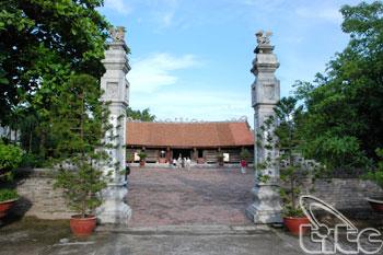 Hang Kenh Communal House