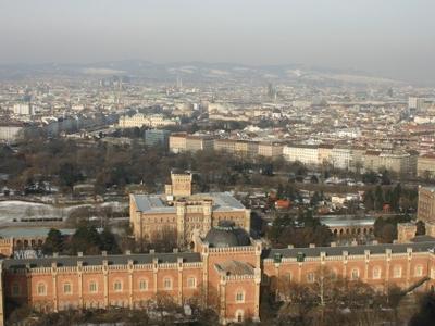 H G M  Wien