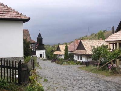 Hollk Village
