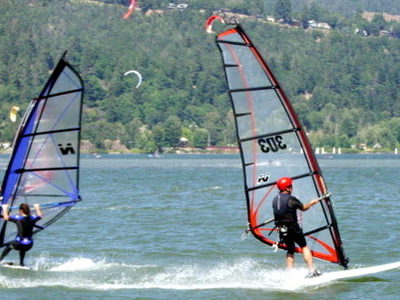 Windsurfing And Kiteboarding On The Columbia River At Hood River