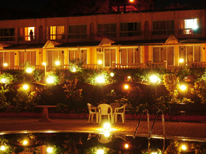 Hotel Lake View - Night Shot