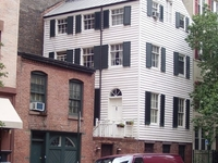 House At 203 East 29th Street