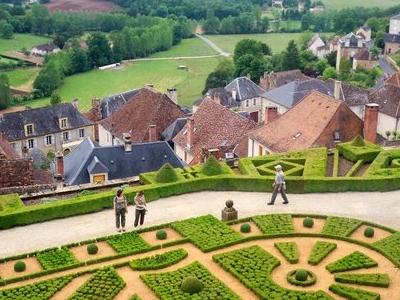 Hautefort  Village