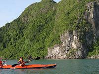 Halong Kayaking 01