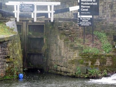 Start Of The Huddersfield Narrow Canal