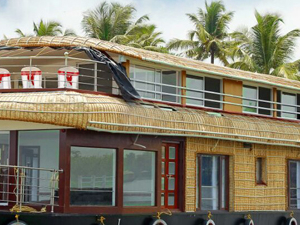 Houseboat Cruise at Kumarakom or Alleppey Photos
