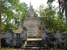 Intricate Carvings Kataluwa Purvarama Mahavihara