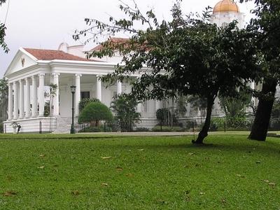 Istana  Bogor Side