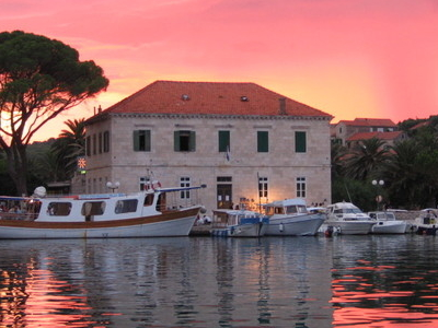 Library On The Riva