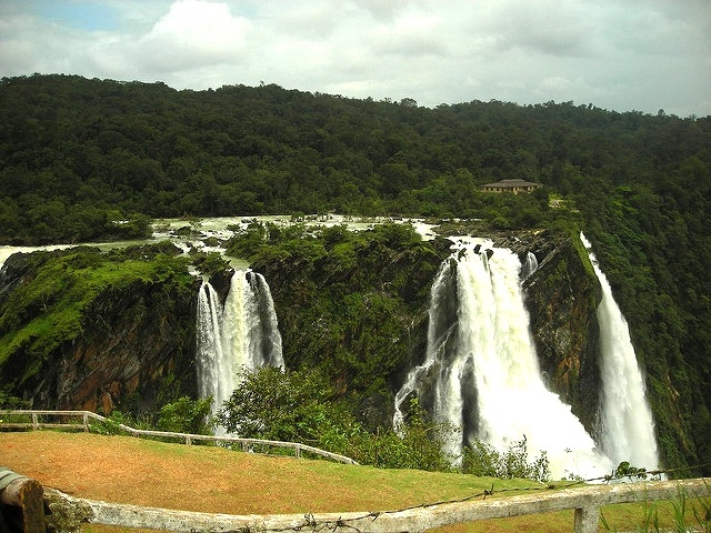 Family Vacation Western Ghats Hills And Water Fallsa Photos