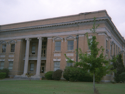 Jones County Courthouse In Ellisville