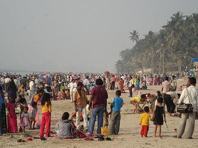 Juhu Beach - Crowded On A Holiday