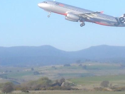 Jetstar Airbus A320 Taking Off From Launceston Airport