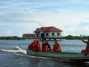 Tonle Sap Lake And Banteay Srei Tour Photos