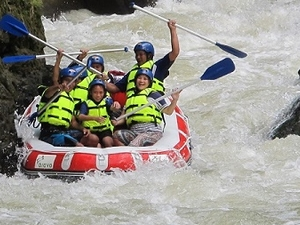 White Water Rafting with 'Manado Rafting' Fotos