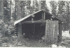 Kootenai Creek Snowshoe Cabin - Glacier - USA