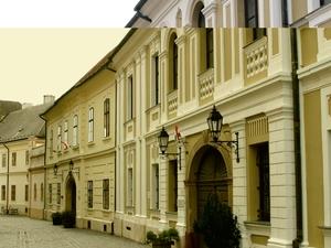 Kormendy House