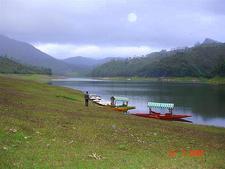 Kundala Lake & Dam - Munnar