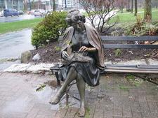 Lady Statu