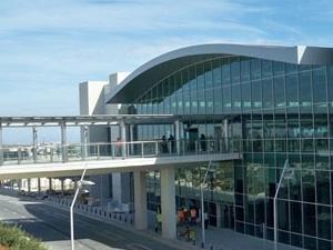 Aeroporto Internacional de Larnaca