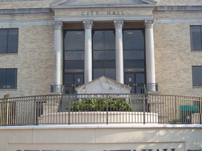 Leesburg City Hall